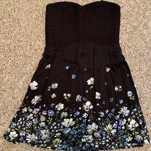 KIMCHI BLUE STRAPLESS FLORAL DRESS BLACK